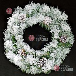 Венок новогодний заснеженный с шишками 35см цвет зеленый